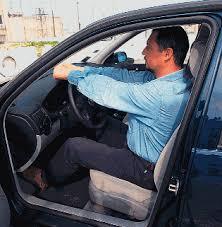 Ποια είναι η σωστή θέση του οδηγού στο τιμόνι