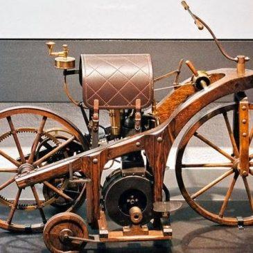 Η κατασκευή της πρώτης μοτοσυκλέτας! (Έτος 1885)
